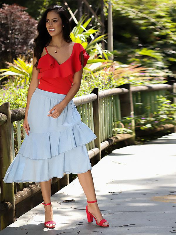 blusas escotadas roja